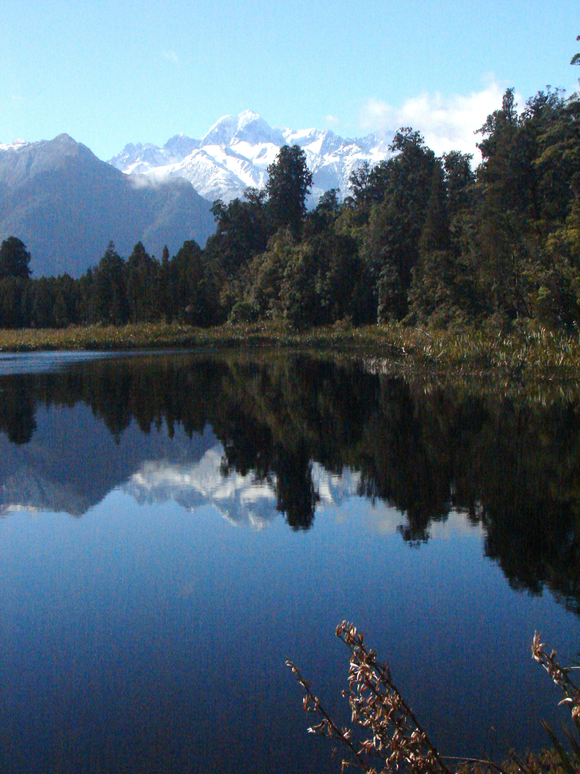 cruises_etc_zealand_lake_mountain